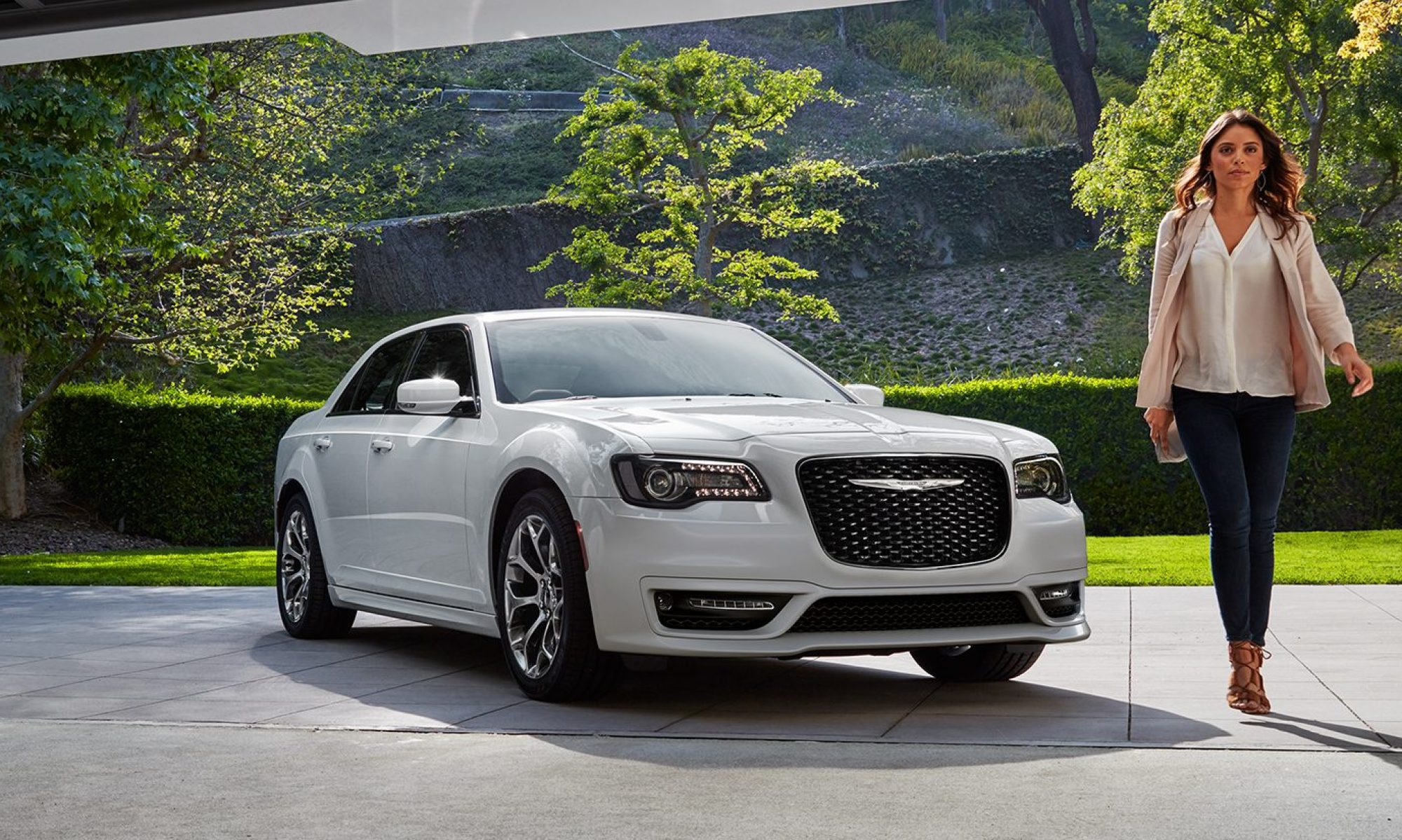 7 des voitures hybrides les plus conomes en essence. Black Bedroom Furniture Sets. Home Design Ideas